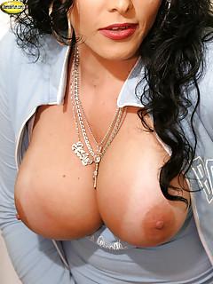 Big Tits Shemale Pics